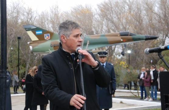 Se conmemoró el 37ª aniversario del Bautismo de Fuego de la Fuerza Aérea