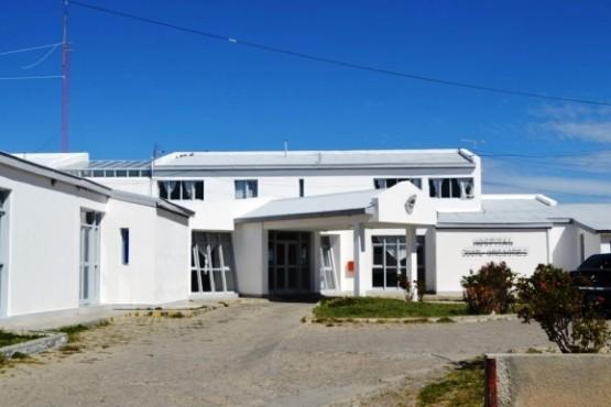 La familia accidentada fue asistida en el Hospital de Gobernador Gregores.