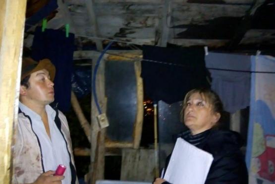 Por las fuertes lluvias asistieron a 15 familias en Esquel