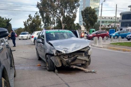 Accidente de tránsito deja a dos lesionados
