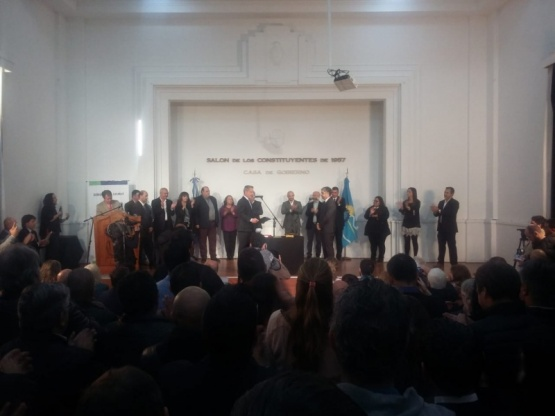 Asumieron los nuevos ministros del gabinete de Arcioni