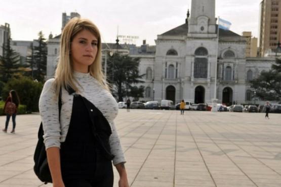Una ex empleada de la municipalidad denunció que la despidieron por hacer videos hot