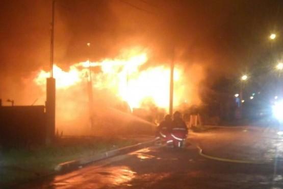 Una casa fue consumida por las llamas
