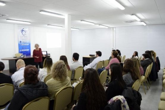 Realizaron charla sobre cuidados paliativos en el CENMPA