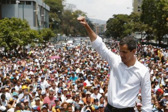 Guaidó llamó a nuevas protestas, con foco en los cuarteles militares