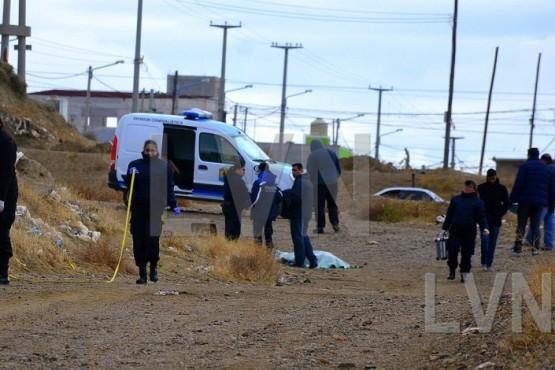 Encontraron el cuerpo de un hombre sin vida en plena vía pública