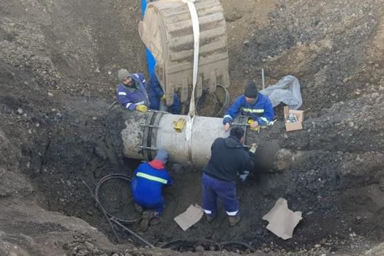 Desde SPSE informaron a qué se debe la baja presión de agua