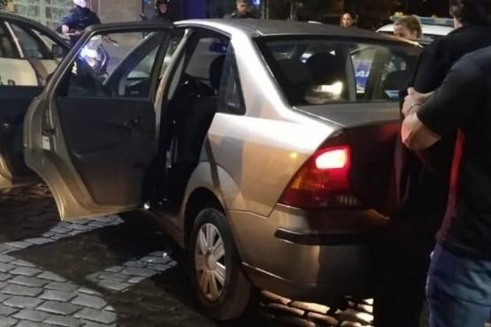 Un hombre discutió con su pareja, la atropelló y se dio a la fuga