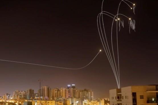 El grupo terrorista Hamas lanzó más de 600 misiles a Israel desde Gaza y causó al menos tres muertos