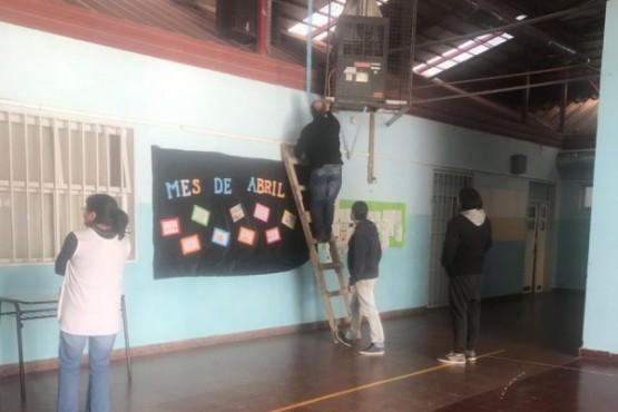 Realizan tareas de mantenimiento en escuelas