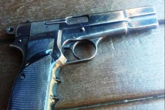 Detienen a un sujeto por realizar disparos de arma de fuego en la vía pública