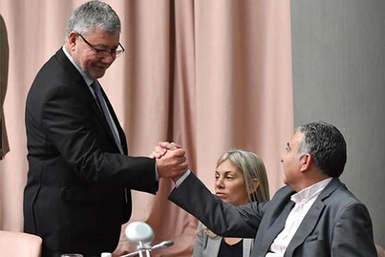 Oposición no logró quórum para insistir con las interpelaciones y se suspendió la sesión