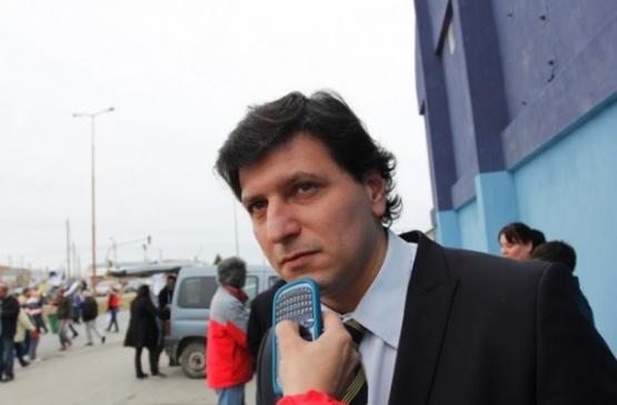 Gómez Bull representa a las Comunas.