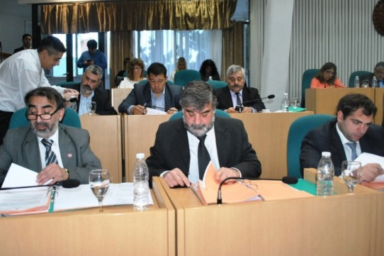 Con la mano de Terraz, el oficialismo aprobó la modificación de la Ley 55