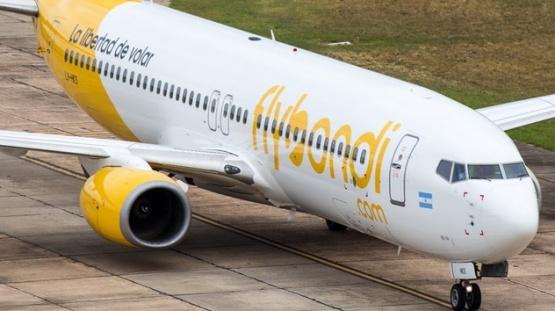 Flybondi, una de las empresas con las que se negocia.