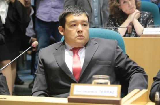 Gerardo Terraz puso la mano que faltaba.