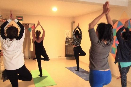 """""""El yoga enseña a autopercibirnos"""", indicaron."""
