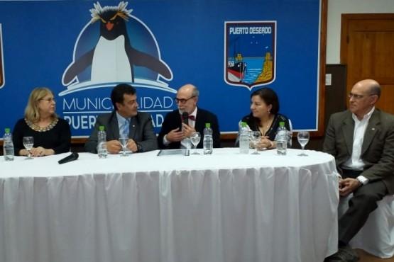 Acuerdos con Canadá para promover la inserción laboral de los jóvenes