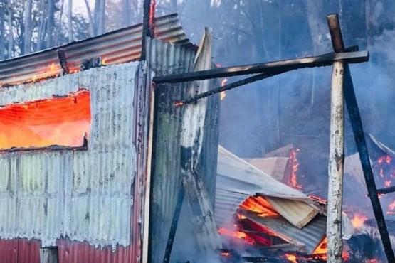 Una mujer perdió todo en un incendio
