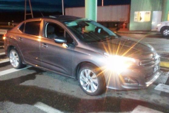 El automóvil fue secuestrado.