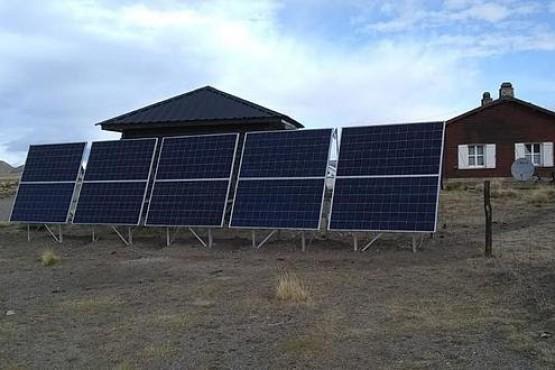 Instalación de paneles solares en los Parques Nacionales