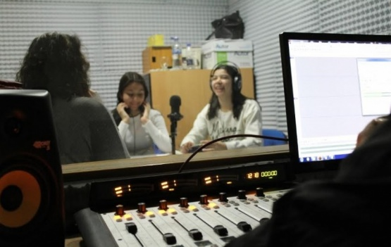 Destacan la labor de alumnos en radio socioeducativas