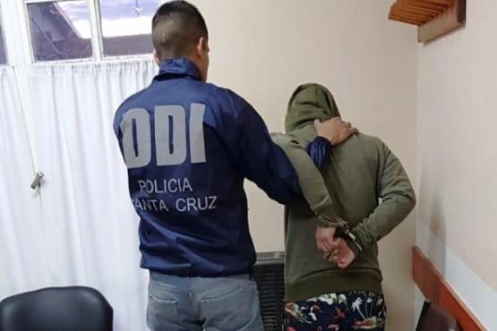 Una pareja fue detenida cuando transportaban un televisor robado