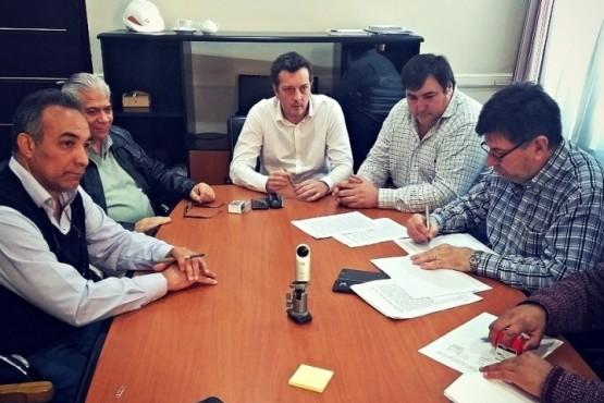 La Provincia e YCRT firmaron el convenio por compra de energía