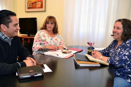 Saunders se reunió con la Secretaria de Desarrollo Social