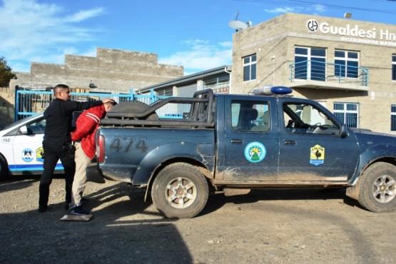 El sujeto fue detenido en la avenida Asturias por personal de la DDI. (Foto: J.C.C.)