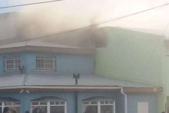Incendio en vivienda lindante a una Óptica