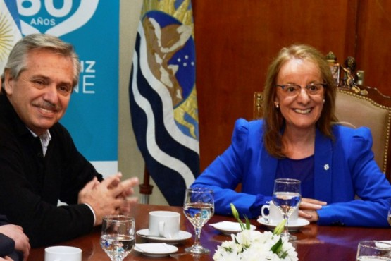 Alberto Fernández y Alicia Kirchner hablaron sobre la situación de la provincia