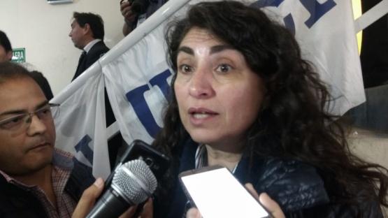 """""""Alicia mostró ovarios para enfrentar los embates"""" de Nación"""