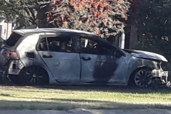 Le quemaron el auto a la madre de la joven que denunció a su ex por violencia de género