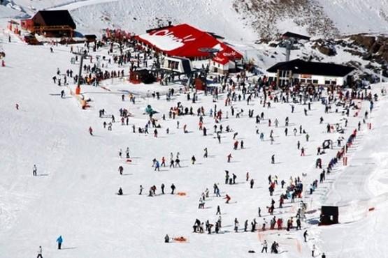 Cuánto costará esquiar en el centro de esquí La Hoya