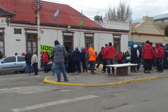 Reclamo de UOCRA frente al Municipio por obras