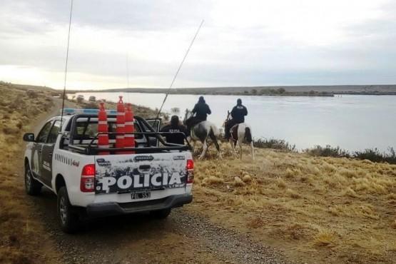 """El efectivo acusado de """"donar combustible"""" a cambio de carne, presta servicio en El Calafate."""
