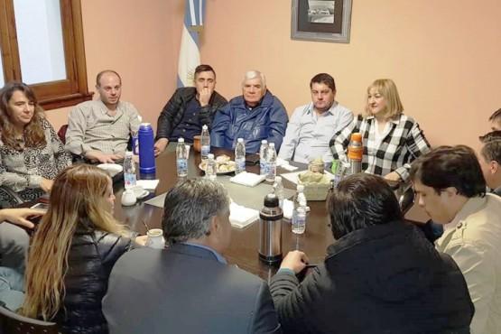 Diputados e intendentes empezaron a analizar posibles reformas al proyecto