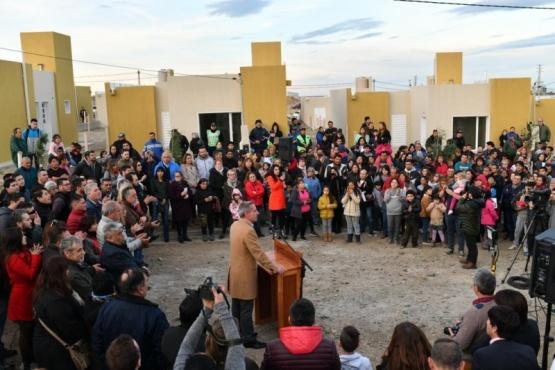 Arcioni entregó 96 casas