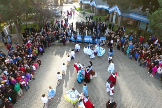 Calafate realizó el acto por el 25 de mayo