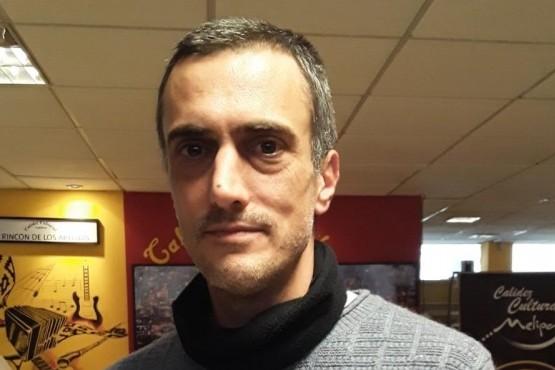 Periodista madrynense presentó su libro