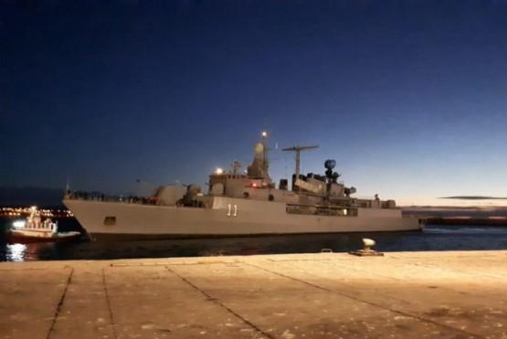 El destructor ARA 'La Argentina' en Comodoro
