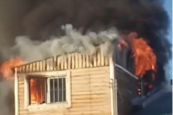 Devastador incendio sobre una vivienda