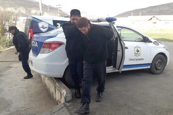 Detienen al dueño del auto en que huyó el hombre que disparó a una pareja
