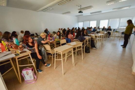 Arranca la diplomatura de educación de jóvenes y adultos