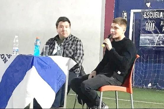 """El """"Colo"""" Gil charló con talentos locales"""
