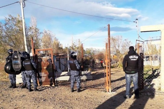 Policía logró detenciones, secuestró armas y vehículos