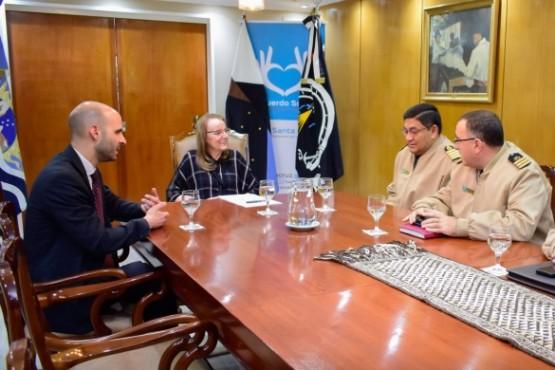 Alicia recibió a autoridades de Prefectura Naval Argentina