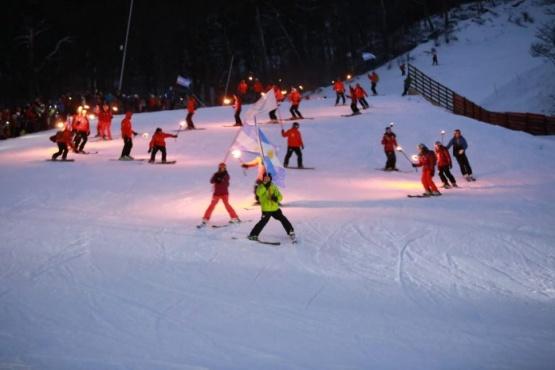El 8 de julio se realizará la tradicional bajada de antorchas en el Cerro Castor