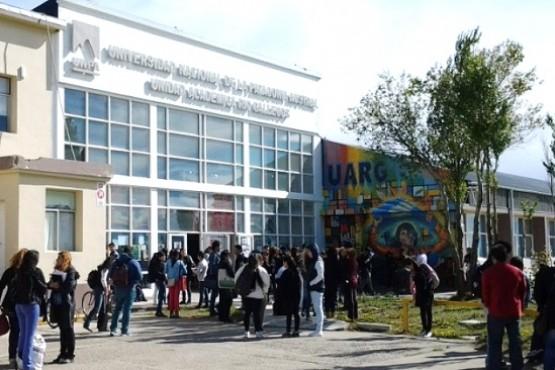Estudiantes y docentes juntaron firmas por esta problemática. (Archivo).